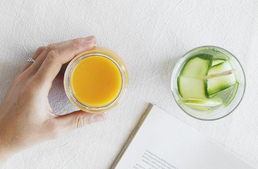 citroen en gember in water