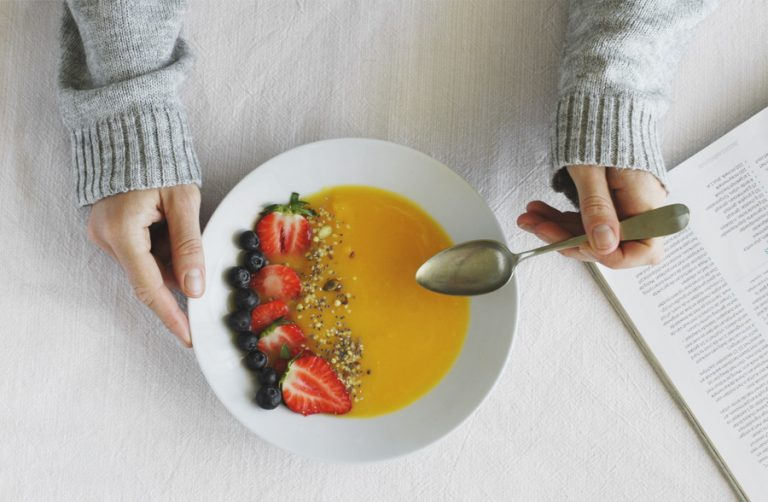 Smoothie bowl met mango